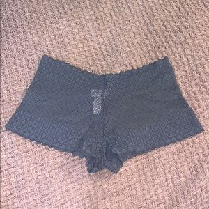 Victoria Secret- shorty/minishort lace panties NWT